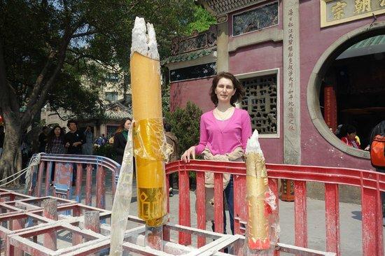 A-Ma Temple (Ma Kok Miu): Огромные курительницы
