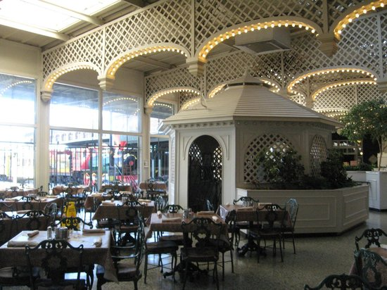 Chattanooga Choo Choo : Dining area
