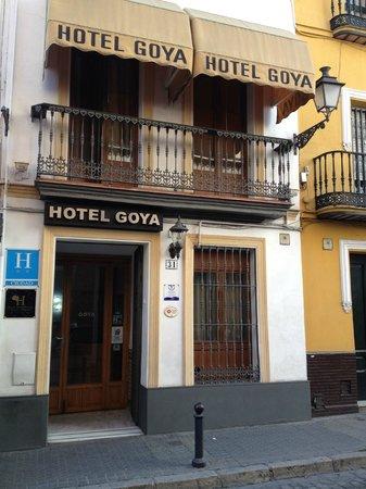 Hotel Goya: Fachada
