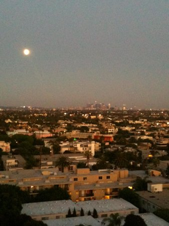 The London West Hollywood: Moon over downtown LA