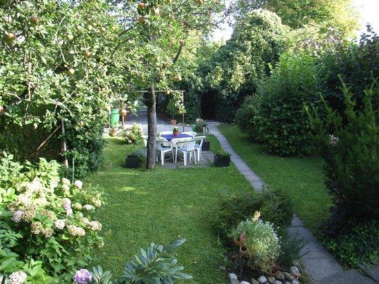 Pension Saentisblick: Garten