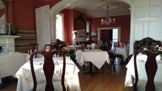 Hob Nob Restaurant: The room