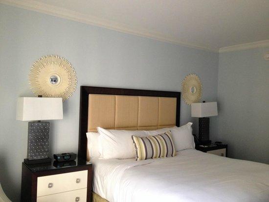 The Ritz-Carlton, Naples: Bed area