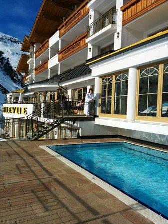 Hotel Austria Bellevue: Outdoor pool