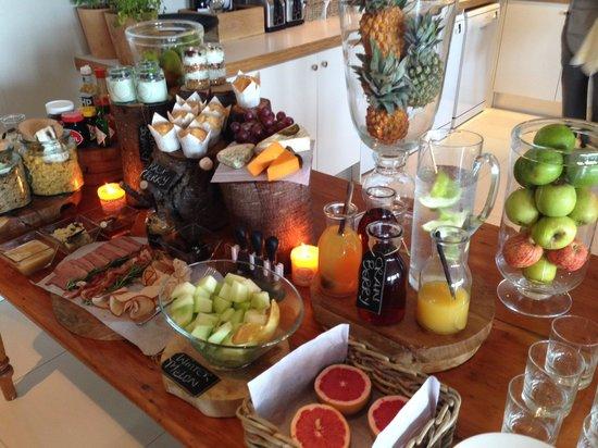 Cape View Clifton: Delicious, abundant breakfast