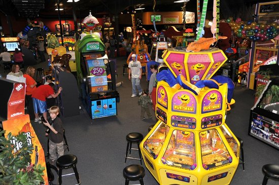 Metropolis Resort: Arcade at Action City