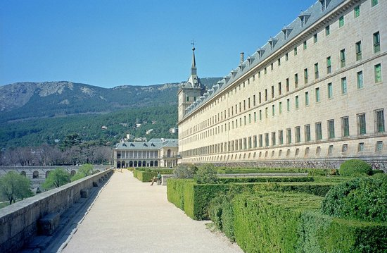 Real Sitio de San Lorenzo de El Escorial: West side of El Escorial