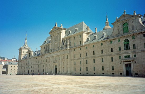 Real Sitio de San Lorenzo de El Escorial: North side of El Escorial