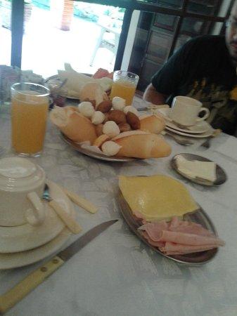 Hotel Bougainville: Café da manhã