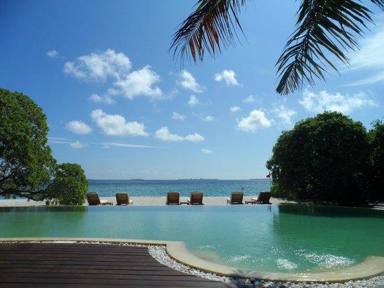 Adaaran Prestige Water Villas: swimming pool