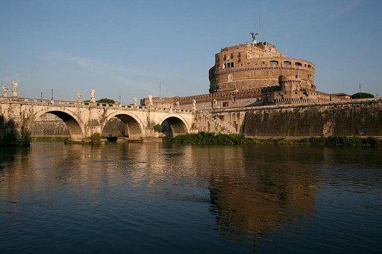 Castillo de Sant'Angelo: Mausoleum of Hadrian