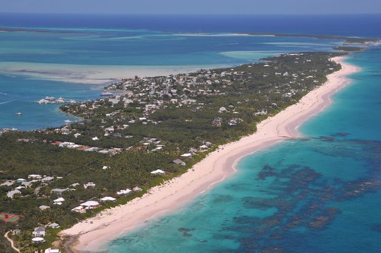 Romora Bay Resort & Marina : Harbour Island from the air