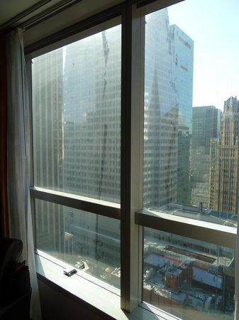 Millennium Broadway New York Times Square: Fenêtre chambre
