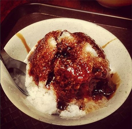 Jonker 88 : Cendol. Ball of ice and coconut milk with a generous topping of gooey gula melaka.
