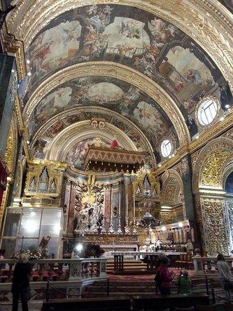 Concatedral de San Juan: Cathedrale von innen mit Blick auf Altar