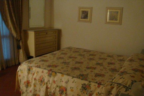 Tenuta Quadrifoglio: camera da letto matrimoniale