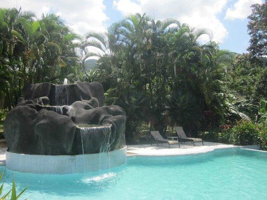Hotel Lomas del Volcan: POOL