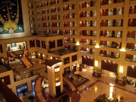 The LaLiT Mumbai : the big lobby