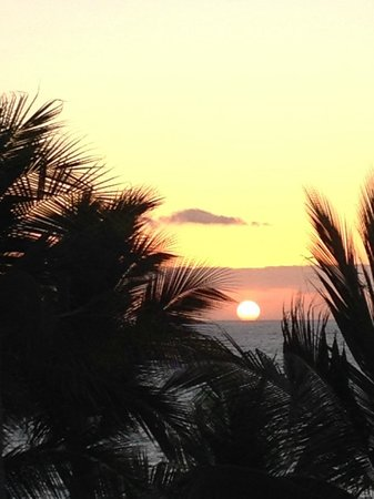 Las Palmas by the Sea: Sunset from our balcony