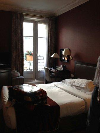 Lenox Montparnasse: Small room