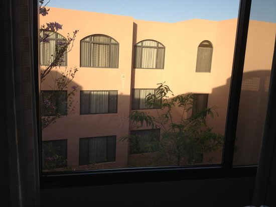 Scottsdale Marriott at McDowell Mountains: View from our room - vacation fail!