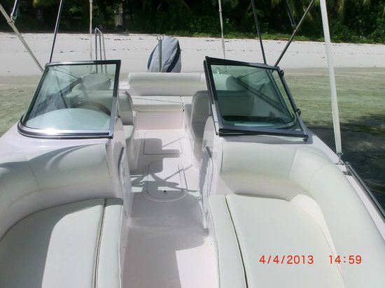 Angel Tours Pty LTD: 21ft Silver Craft