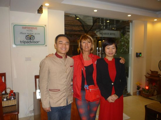 Hanoi Impressive Hotel: avec le staff