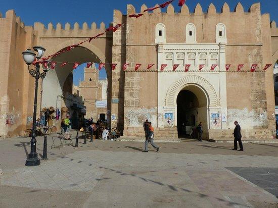 Hotel naher el founoun: Toegangspoort medina - Sfax