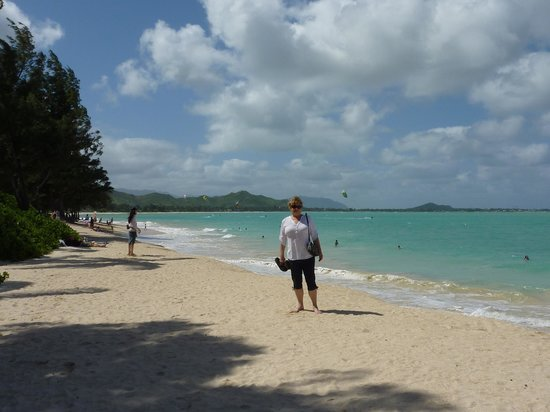 Kailua Beach Park: Enough room for everyone at Kailua Beach.  Come on, squish a little sand between your toes!