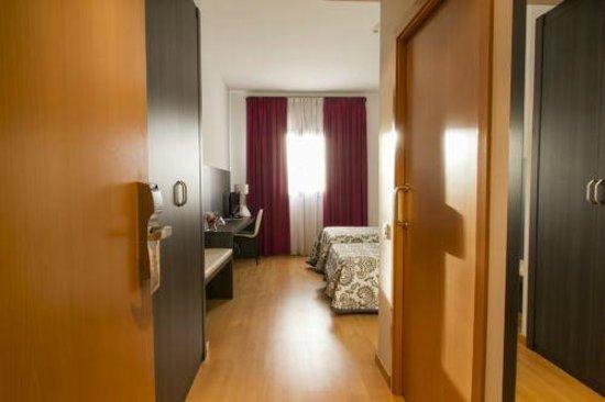 Hotel Via Norte: Habitación MINUSVALIDOS