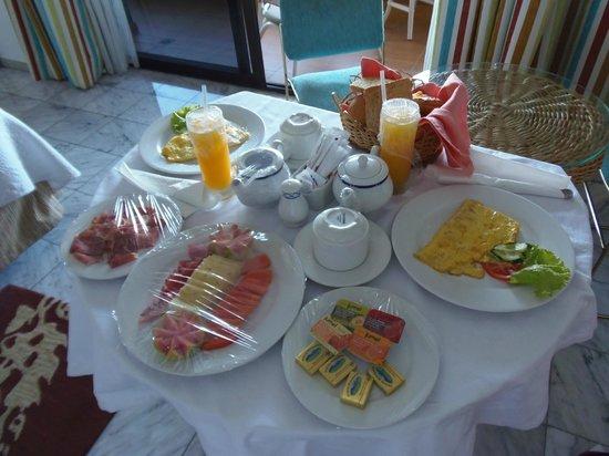 Melia Habana: Desayuno en la habitación