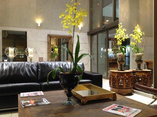 Brasil 21 Suites: Bom Gosto no Lobby