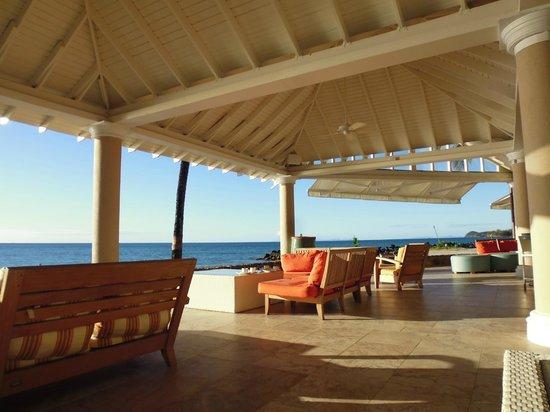Rendezvous Resort: the terrace bar