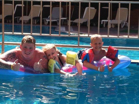 Julian Club Hotel: pool
