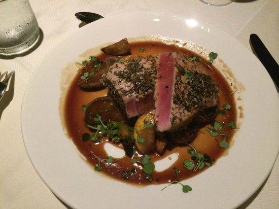 Royal Isabela : Blackened Tuna