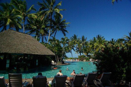 Palm Bungalows : Pool area, Catseye Beach, Hamilton Island