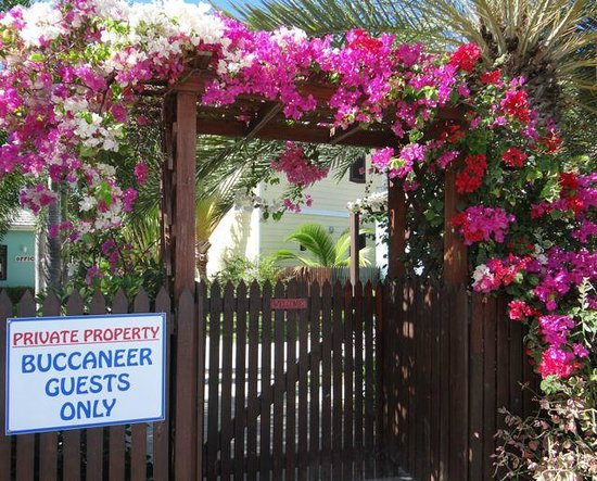 Buccaneer Beach Club: Welcome gate for Buccaneers