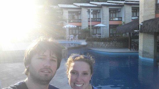 Quinta do Sol Praia Hotel: vista da piscina e ao fundo o hotel