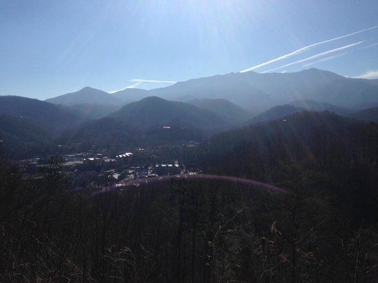 Sugarlands Visitors Center: View of the Smoky Mountains