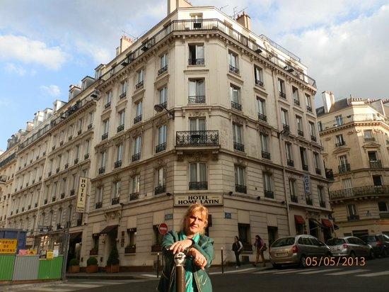 Hotel Le Home Latin: mi papa arriba y yo abajo