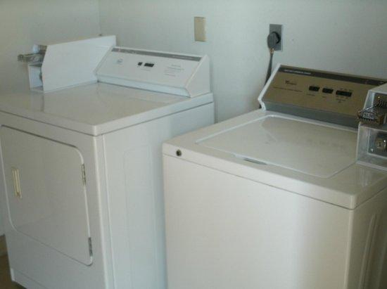 Super 8 Platte City Kansas City Area: guest laundry