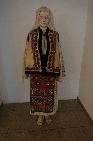 Peasant Museum (Muzeul Taranului Roman): Creepy manikin.