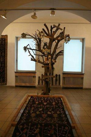 Peasant Museum (Muzeul Taranului Roman): Tree.