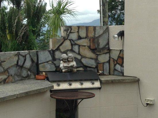 A Villa Gail : Grill/ BBQ area