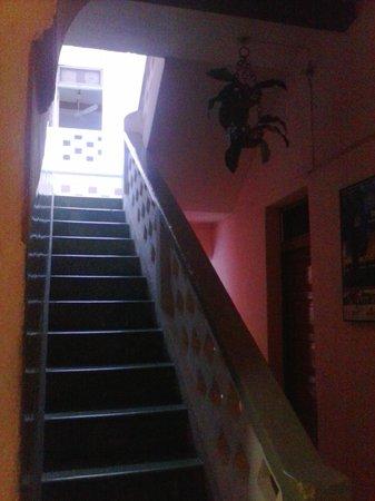 Hotel San Jose: hallway