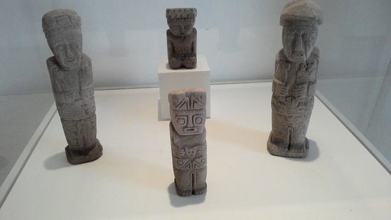 Museum of Pre-Columbian and Indigenous: esculturas pre-colombiana