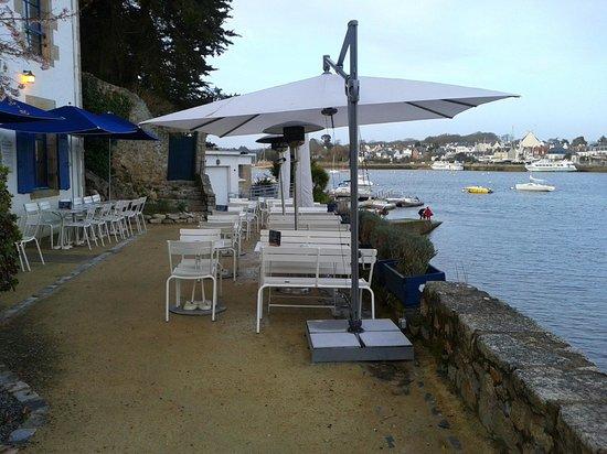 Cafe de la cale: Terrasse vue sur mer