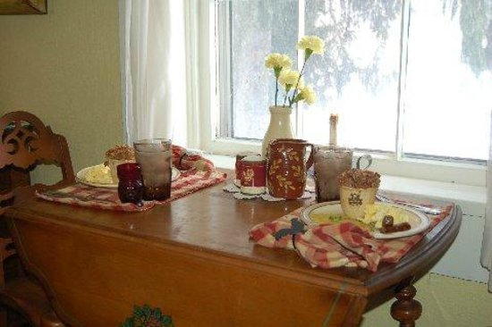 The Pines of Dresden Bed and Breakfast : We have many places to enjoy your breakfast.