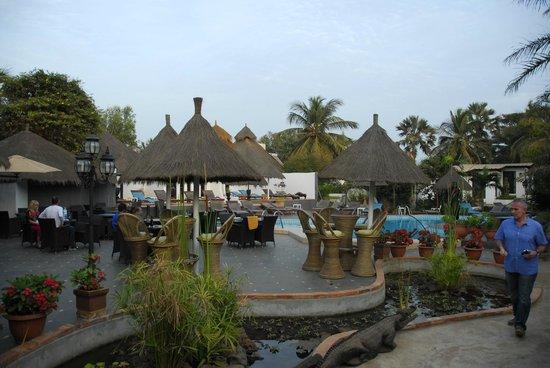 Bakotu Hotel: Bar area