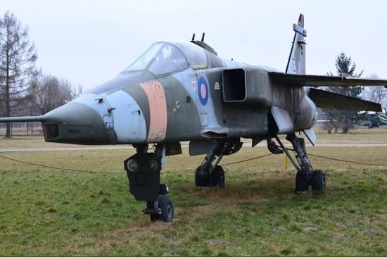 Cracovie : Military air display.